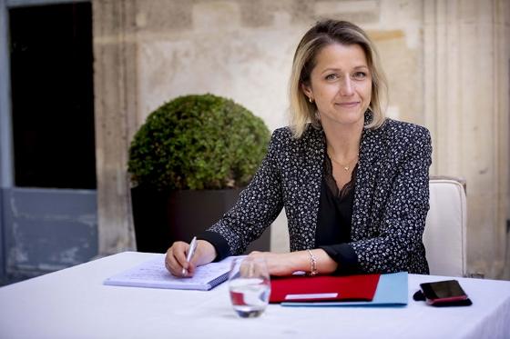 Signature d'un arrêté raccordement par la ministre de la transition énergétique